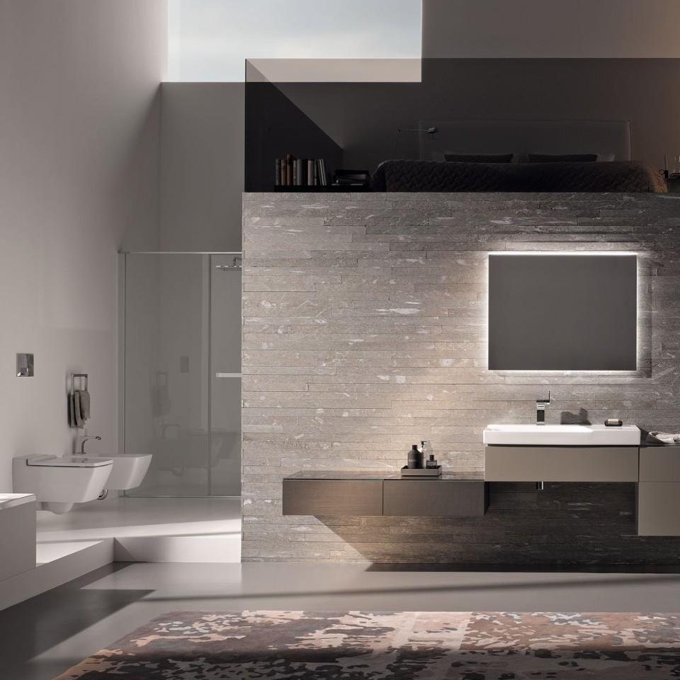 Badkamer met Geberit Xeno2 wc zonder spoelrand, bedieningsplaat Sigma70 en wastafel